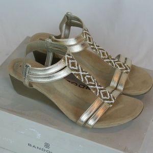 Women's Bandolino Hippo Wedge Sandals Size 8M